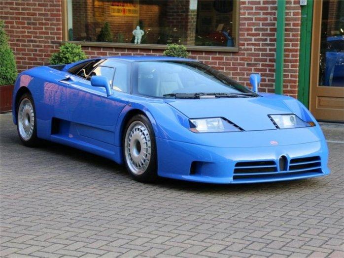 Bugatti EB110 blue