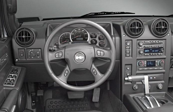 Hummer H2 SUT interior