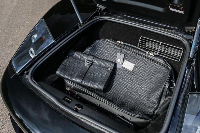 Ламборгини Мурсьелаго багажник