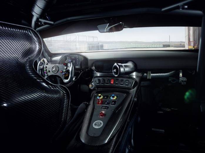 Mercedes GT4 Salon